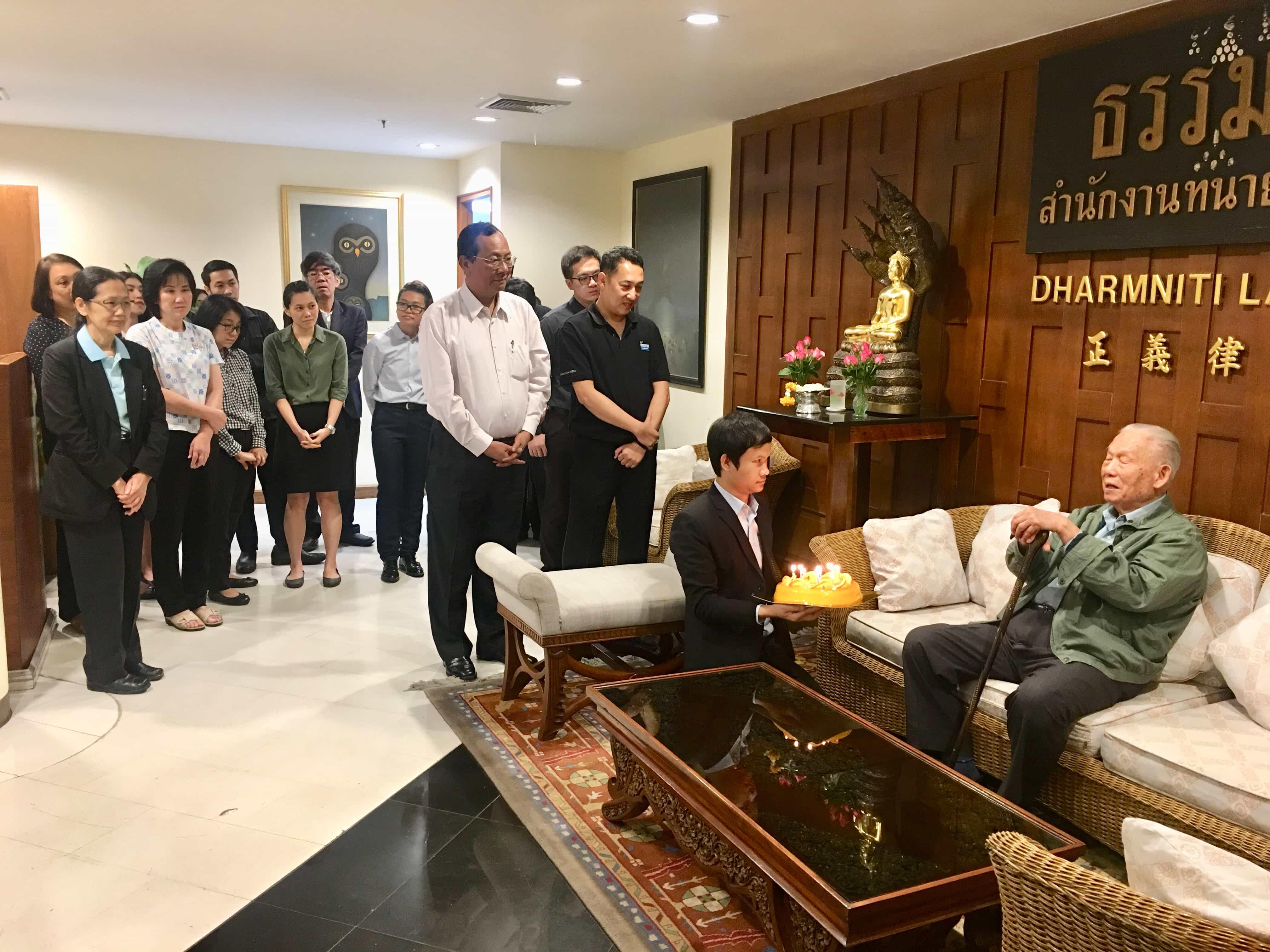 ร่วมอวยพรเนื่องในโอกาสวันคล้ายวันเกิด ศาสตราจารย์ ปรีชา พานิชวงศ์ ครบรอบ 92 ปี